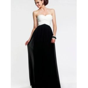 🆕Faviana Strapless Sweetheart Chiffon Gown Dress